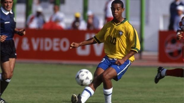 رونالدينهو في كأس العالم للشباب بمصر