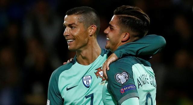 سيلفا ورونالدو.. يقودان هجوم البرتغال أمام المنتخب المصري